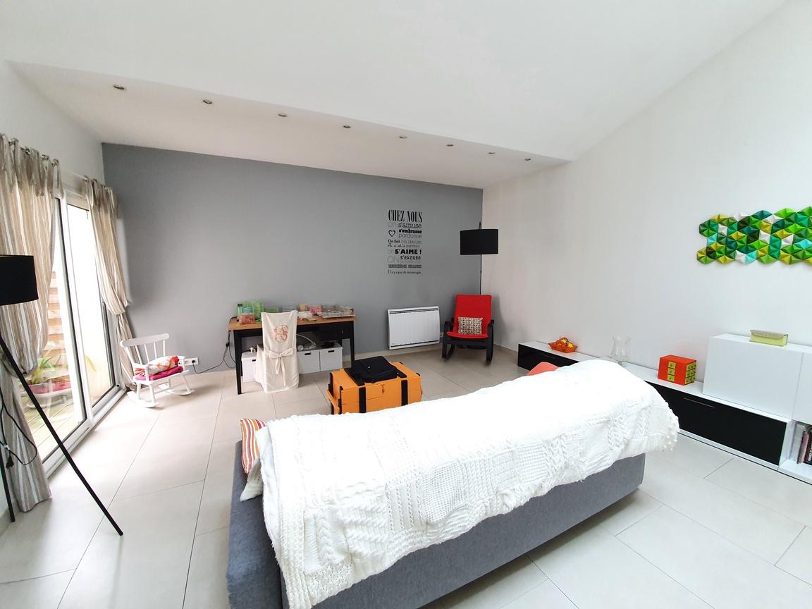 Maison a vendre houilles - 5 pièce(s) - 120 m2 - Surfyn